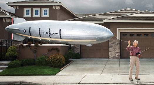 Man builds a functional airship you can fit in your garage
