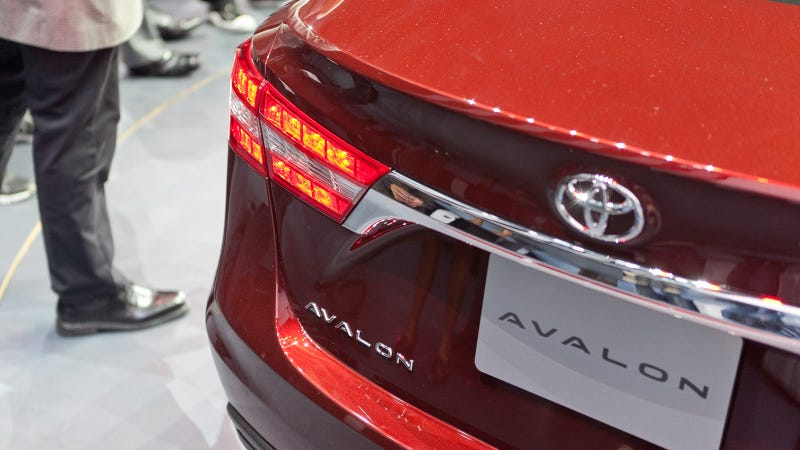 2013 Toyota Avalon Gallery