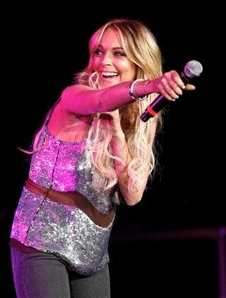 Lindsay Gives Britney A MySpace Shout Out