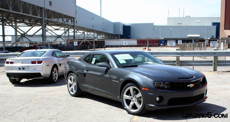 First Cyber Gray Metallic 2010 Chevy Camaro SS Spotted In the Wild