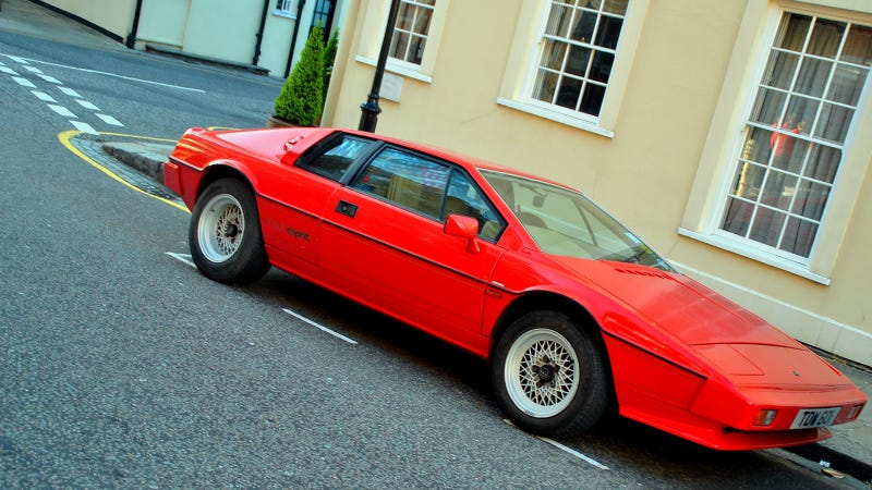 Your Ridiculously Awesome Lotus Esprit Wallpaper Is Here