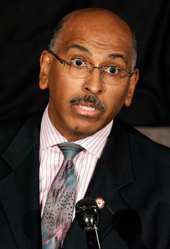 Mitt Romney Calls Michael Steele a 'Distraction'