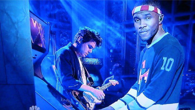 Watch Frank Ocean Play Galaga On Saturday Night Live While John Mayer Guitar Solos