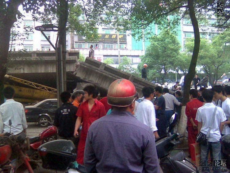 Chinese Bridge Collapse Kills Nine, Incites Local Outrage