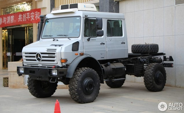 Spotted In China The Unimog Is The Biggest Suv In The World