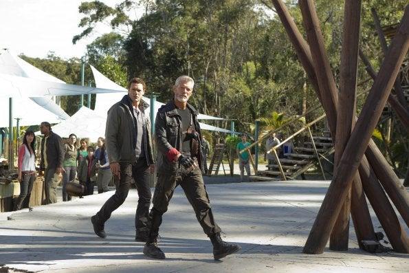 """Terra Nova 1x04, """"Runaway"""" Pictures"""