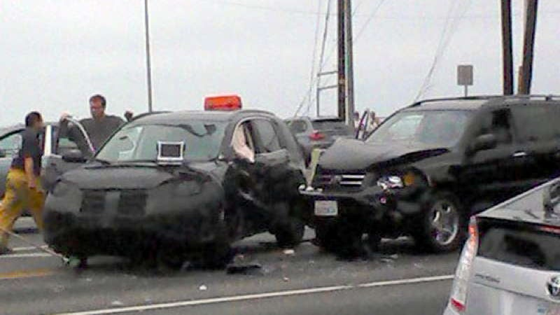 Blogger crashes into Honda prototype, takes photos from ambulance