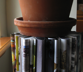 Recycle Old Magazines Into an End Table