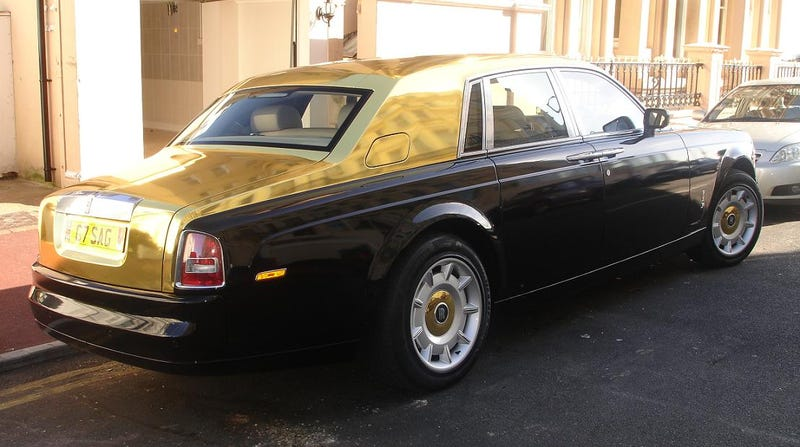 Gold Painted Rolls Royce Phantom Spotted In UK