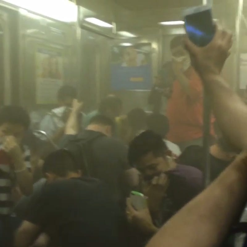 Passengers Trapped in Smoke-Filled Subway Train for 20 Minutes