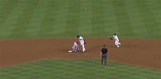 Shin-Soo Choo Twice Falls For Dodgers' Fakery On One Play