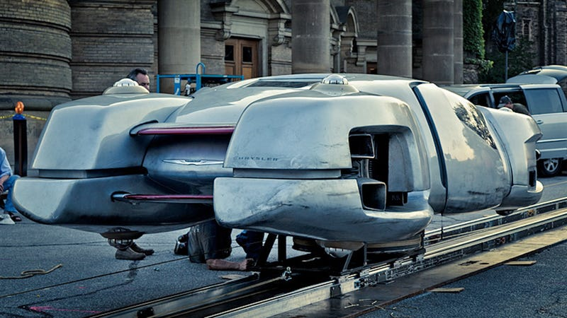 """Total Recall"" remake gets Chrysler imported from Detroit's future"