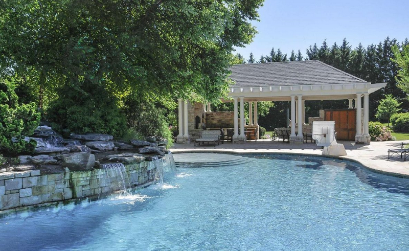 John Wall's New Mansion Has 10 Bathrooms And A Basketball Court