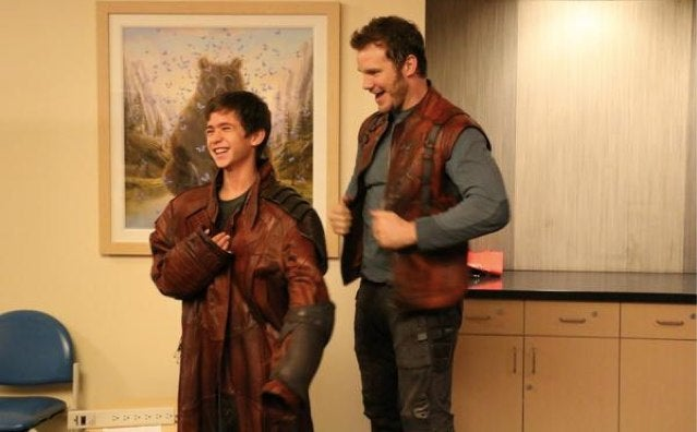 Nice Guy Chris Pratt Played Star-Lord for a Bunch of Hospitalized Kids
