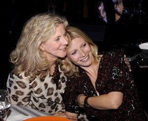Blythe Danner Says Gwyneth Is Not Divorcing