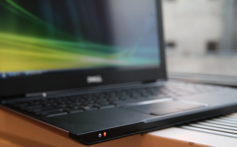 Dell Vostro V13 Hands On: Bruce Wayne's Laptop
