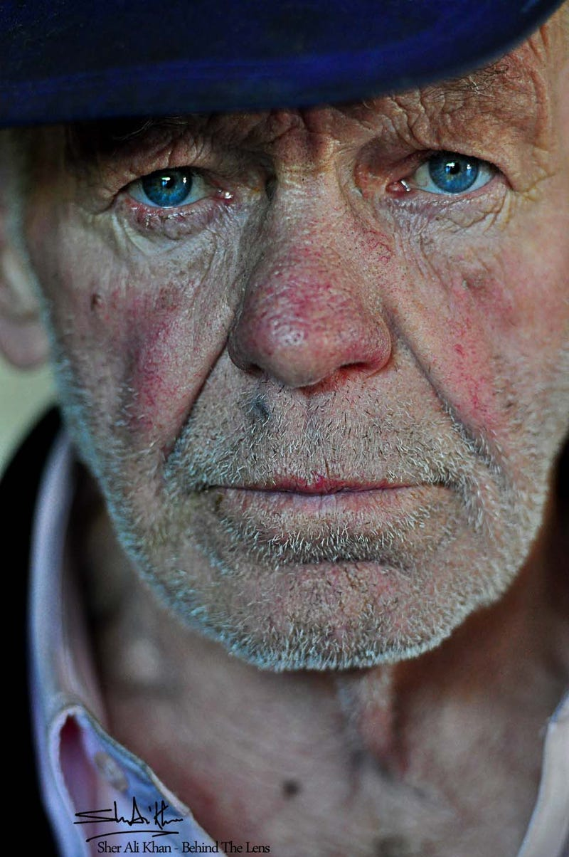 25 Planned Portraits of Absolute Strangers