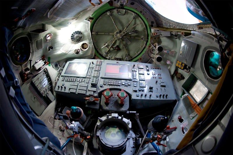 next manned spacecraft interior - photo #26