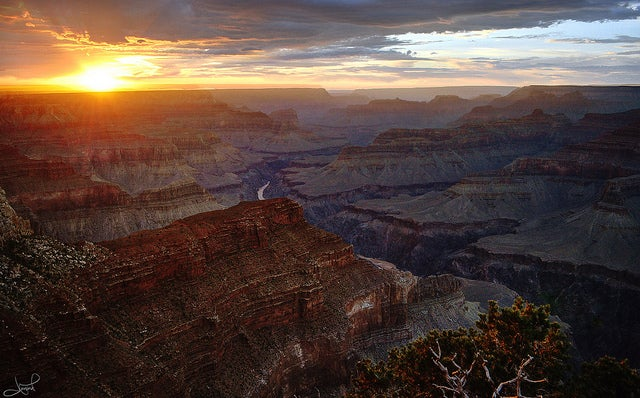 Let's Build a Lot of Crapola Around the Grand Canyon, Say Idiots