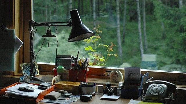 The Best Way to Position Your Lamps for Task Lighting