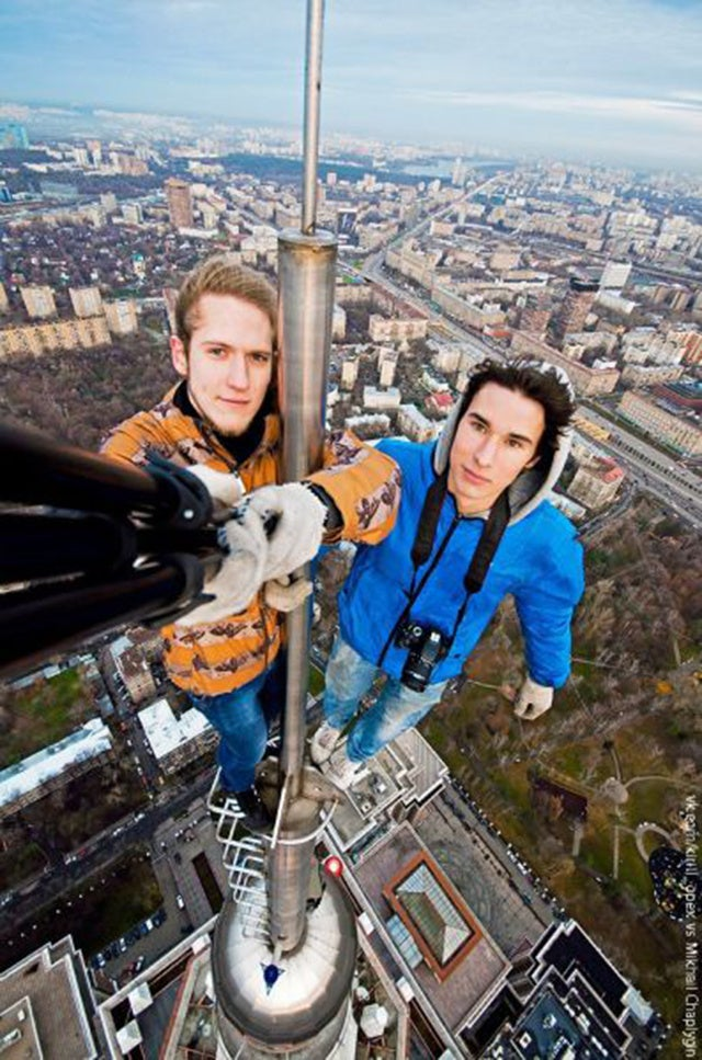 The craziest of the Russian city climbers is beyond insane
