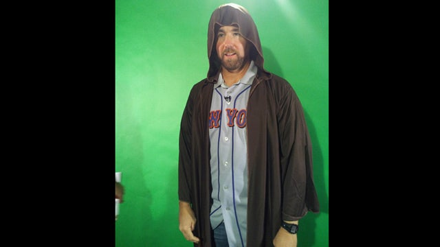 As If Things Weren't Bad Enough For The Mets, R.A. Dickey Has Now Chosen To Dress Like Obi-Wan Kenobi