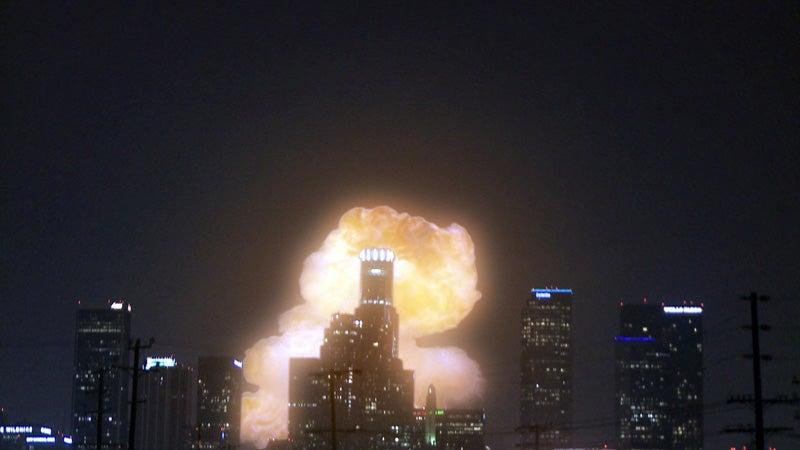 Cleavagefield Destroys Cities, Exposes Undies