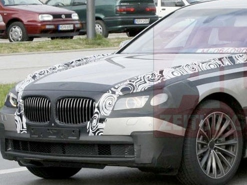 2009 BMW 7-Series Testing Artsy Camo