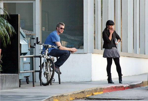 Eric Dane, Random Dame Are Ex-Communicated Nicotine Addicts