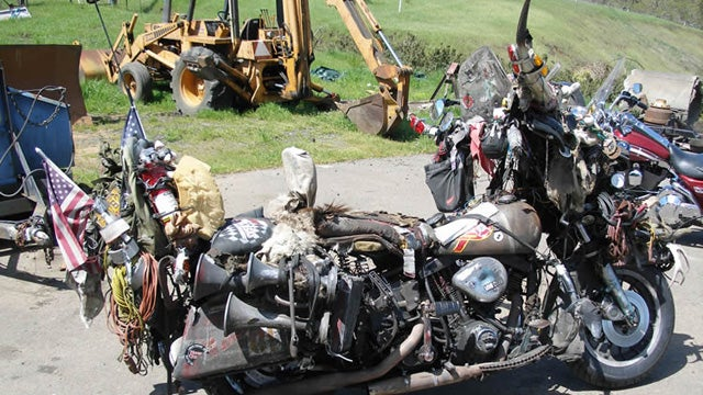 """Rat Bike"" collects 31 years of road dirt, trinkets on one Harley"