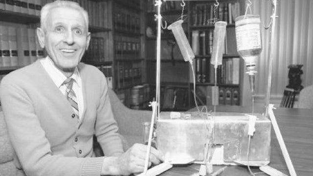 Early Christmas Shopping Tip: Dr. Kevorkian's Suicide Machine Is for Sale
