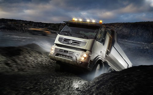 Volvo FMX: I Rock, I Roll, I Eat Your Quarry For Lunch