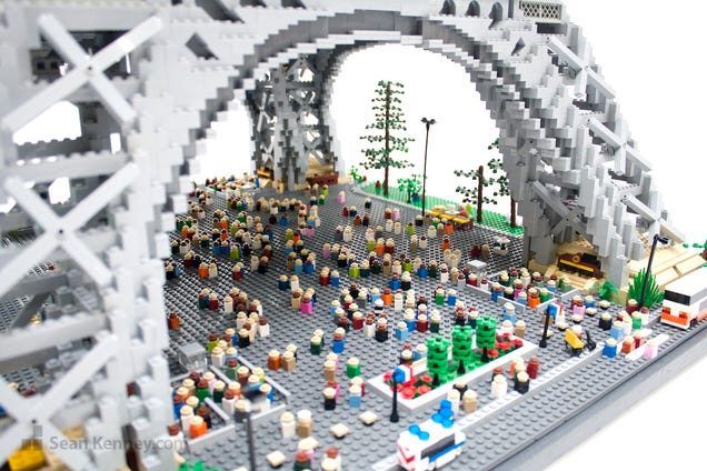 It's the Tiny Tourists That Make This Lego Eiffel Tower So Perfect