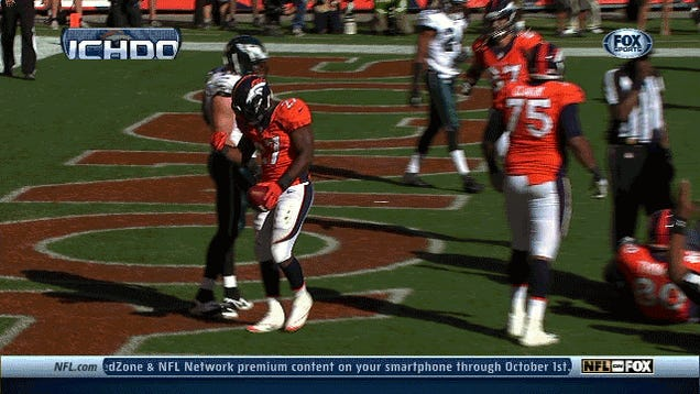 Knowshon Moreno Celebrated His TD With Some Rock-Paper-Scissors