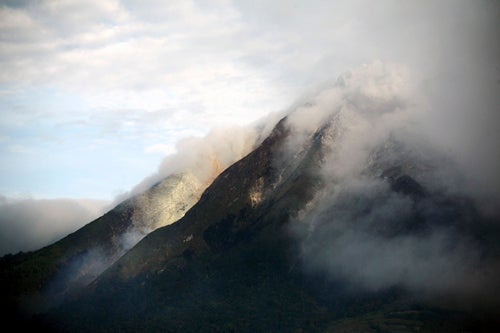 Indonesian Volcano Erupts After 400 Years of Silence
