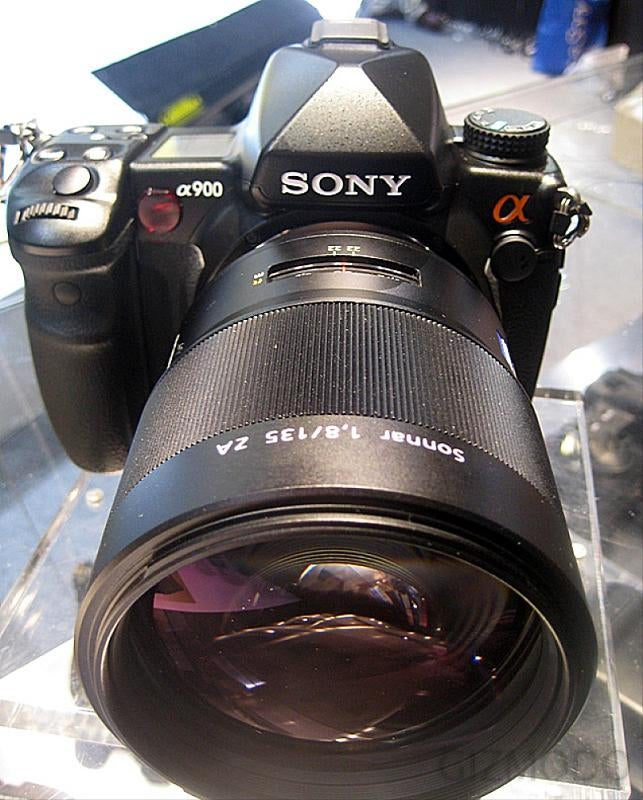 Hands-on with the Sony Alpha 900