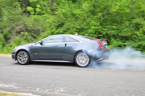 Cadillac CTS-V Coupe: First Burnout!