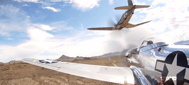Beautifully filmed race between two of the best aircraft fighters ever
