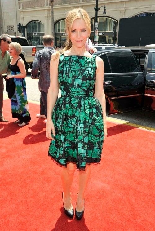 Leslie Mann Steals A Dress From Betty Draper's Closet