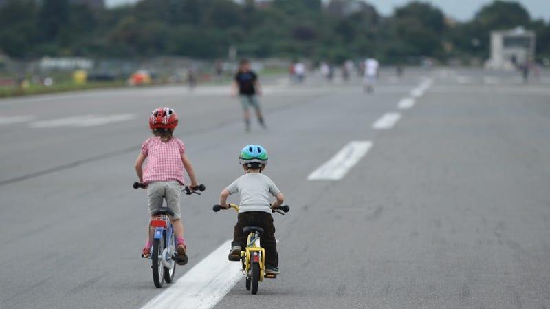 Study Finds Racial, Gender Disparities in Helmet Use Among Kids