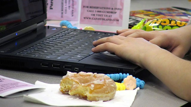 Your Desk Job Isn't Making You Fat, But Other Unhealthy Choices Are