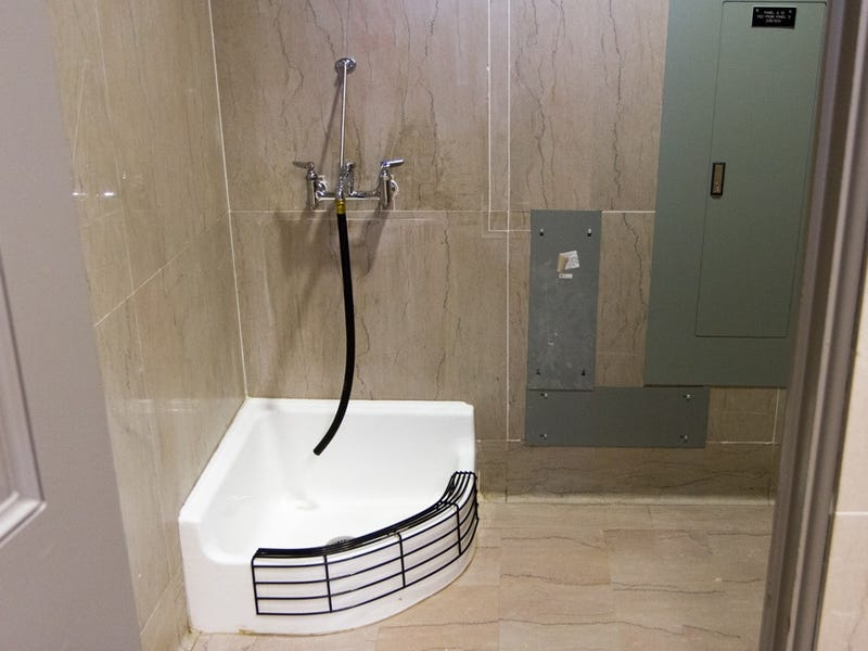Crisis Averted When Tennessee Lawmakers Discover Muslim Foot Bath Is Actually Just a Mop Sink