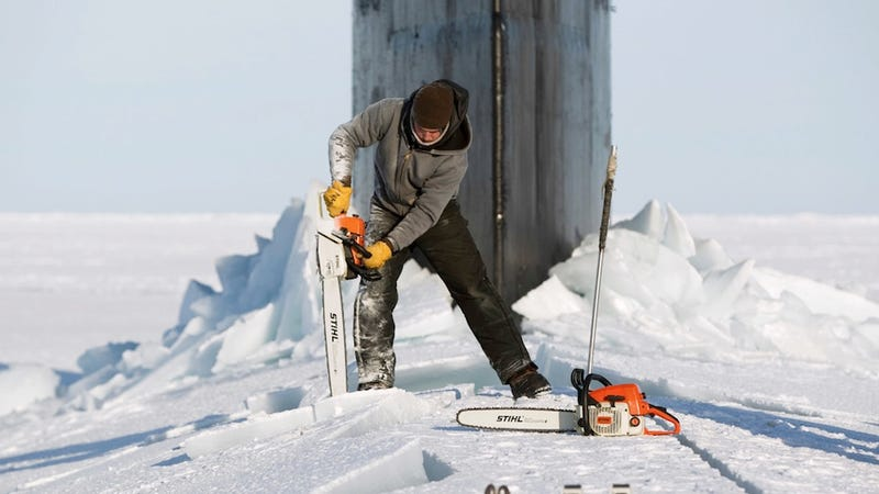 Digging a Submarine Out of the Frozen Sea Looks Tough (Updated)