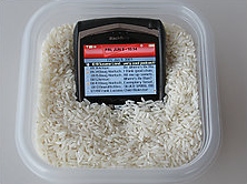 Dry out your soaked gadgets in rice