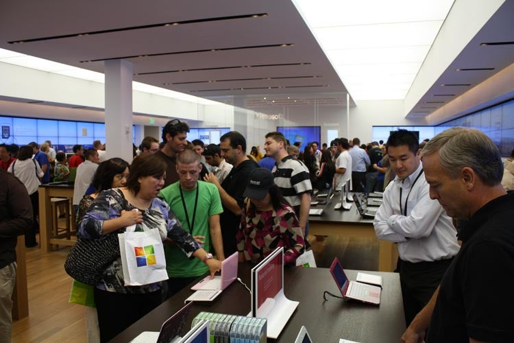 Microsoft's First Retail Store Opens (Like Apple Store With More Colors)