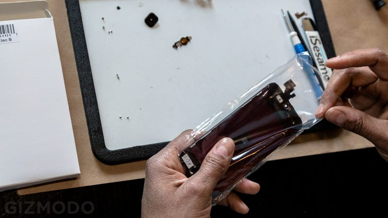 iCracked: The Screen Repair Service That Comes to You Is Fantastic