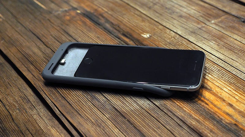 iPhone Smart Battery Case Review: I'm Surprised I Don't Hate It