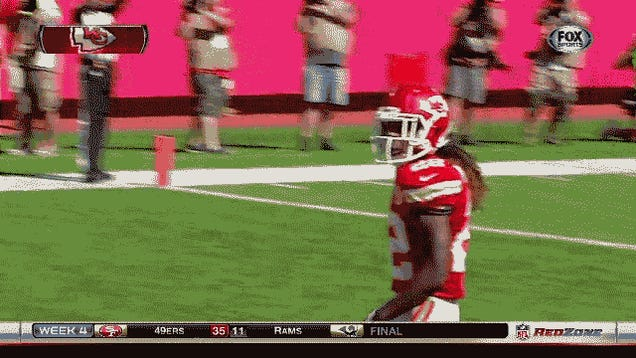 Dexter McCluster Returns Punt For Touchdown, Trolls Victor Cruz