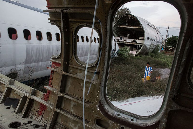 Bangkok's Homeless Are Turning These Decommissioned Airplanes Into Makeshift Homes