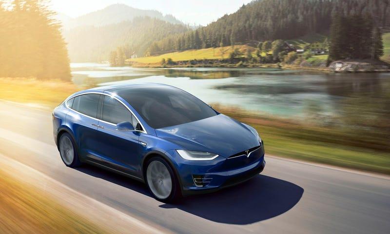 El nuevo Tesla Model X ya está aquí, y parece una nave del futuro